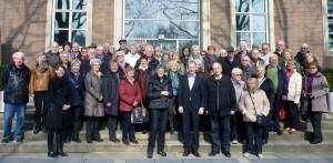 Stephen Paul begrüßte die Vorsitzende Helga Sarzio (beide in der Mitte) und die Mitglieder des Herforder Walking und Freizeitsport-Vereines beim Landschaftsverband Westfalen-Lippe in Münster.