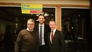 Bezirksvorsitzender Frank Schäffler, Landtagsabgeordneter Marc Lürbke und Kreisvorsitzender Stephen Paul freuten sich über die zahlreichen Fragen und Meinungsbeiträge ihrer Parteimitglieder