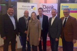 (von links) Jörn Bornemann, Olaf in der Beek (beide Liberaler Mittelstand), Marie-Christine Ostermann, Oliver Flaskämper (Denkwerk), Stephen Paul und Frank Schäffler.