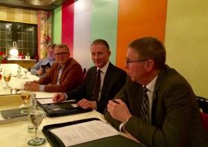 Harald Grefe (rechts) sprach bei den Freien Demokraten im Kreis Herford.
